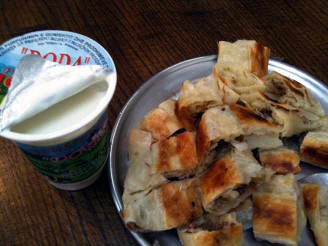 burek_with_yogurt.jpg