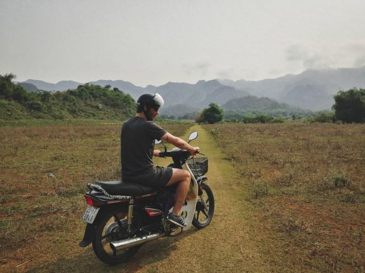 Drumuri cu motocicleta in Mai Chau